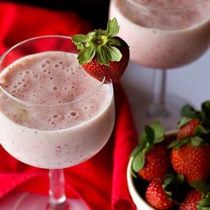 Fresh real strawberries make this milkshake extra tasty. With a small trick, you don't even need ice cream to make this healthy strawberry milkshake creamy and delicious!