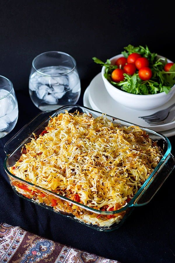 Bake the casserole in the oven for 30 minutes.