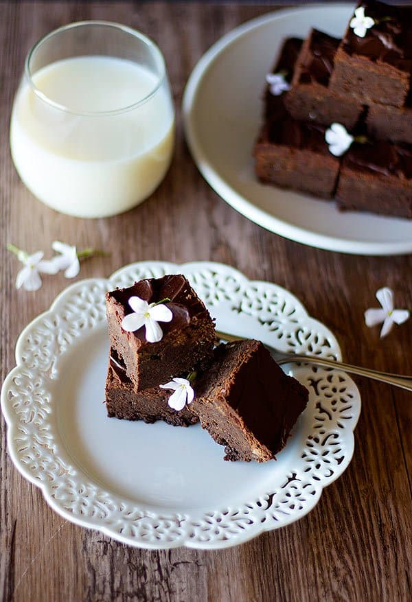 Snickers brownies are soft, fudgy and tasty.