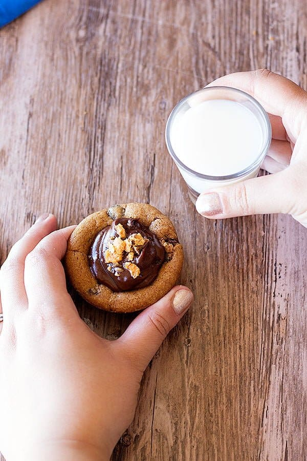 chocolate chip cookie cups are easy and absolutely delicious.