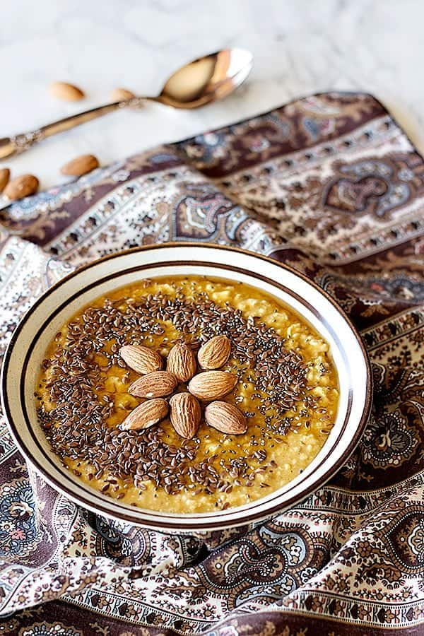 This healthy pumpkin spice oatmeal is simple and delicious.