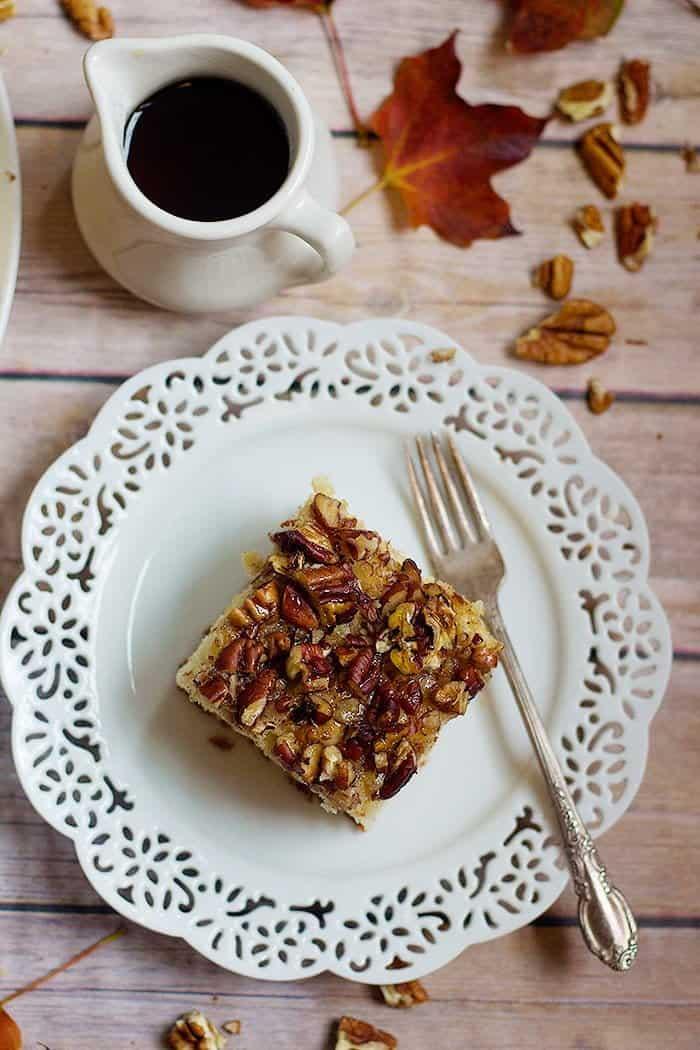 Pecan Pie Cake Recipe | Pecan Cake | Maple Pecan Cake | From unicornsinthekitchen.com