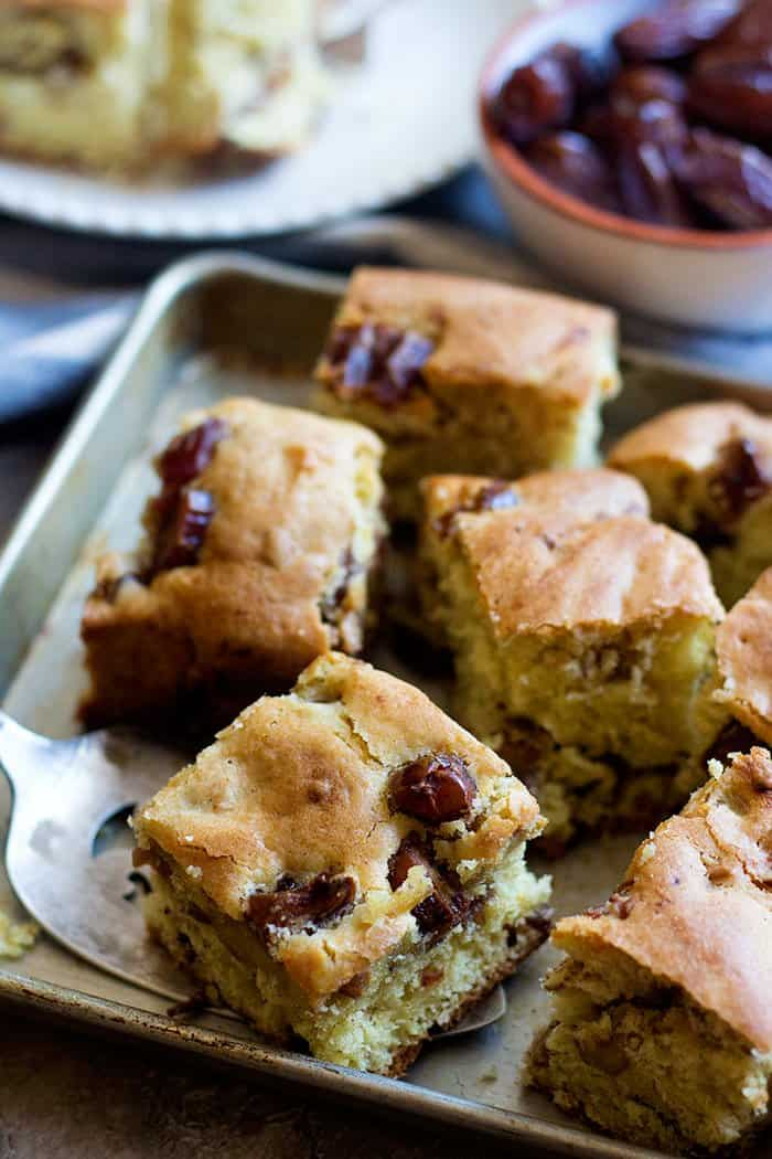 This date cake recipe is easy and very delicious. Everyone's would want a second slice!