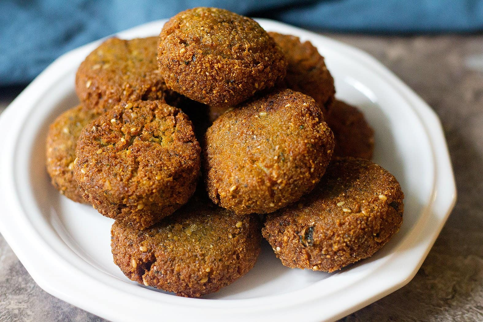 These vegan chickpea patties ate crispy on the outside and tender on the inside.