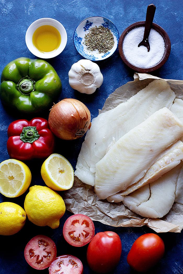 ingredients contain cod, onion, garlic, peppers, spices and lemon.