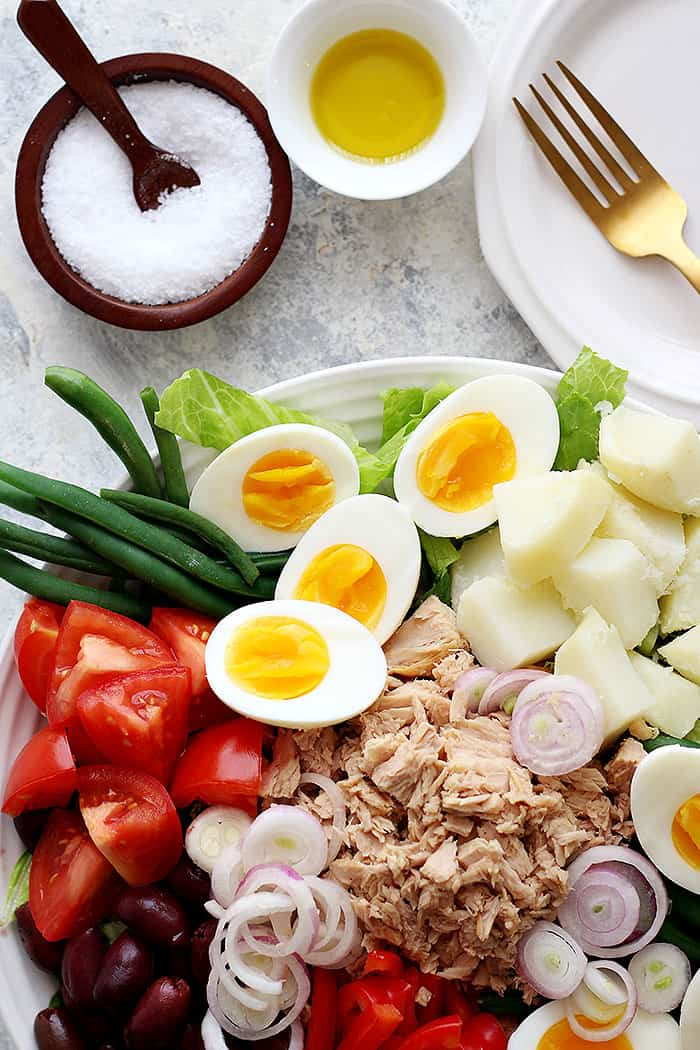 Tuna nicoise salad can be served as lunch or dinner.
