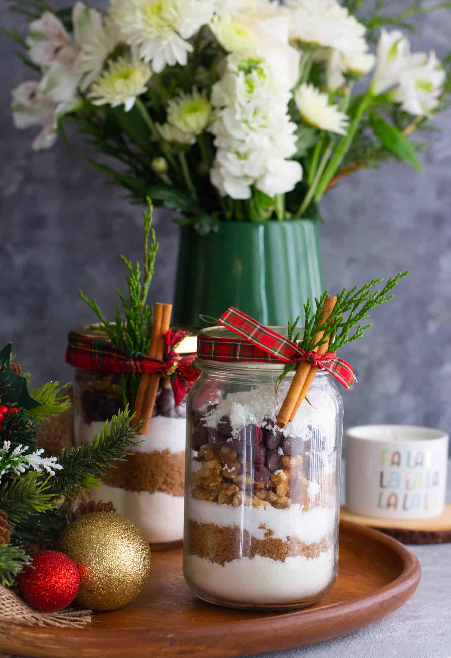 Add a bouquet and a candle to make a nice cookie mix in a jar gift.