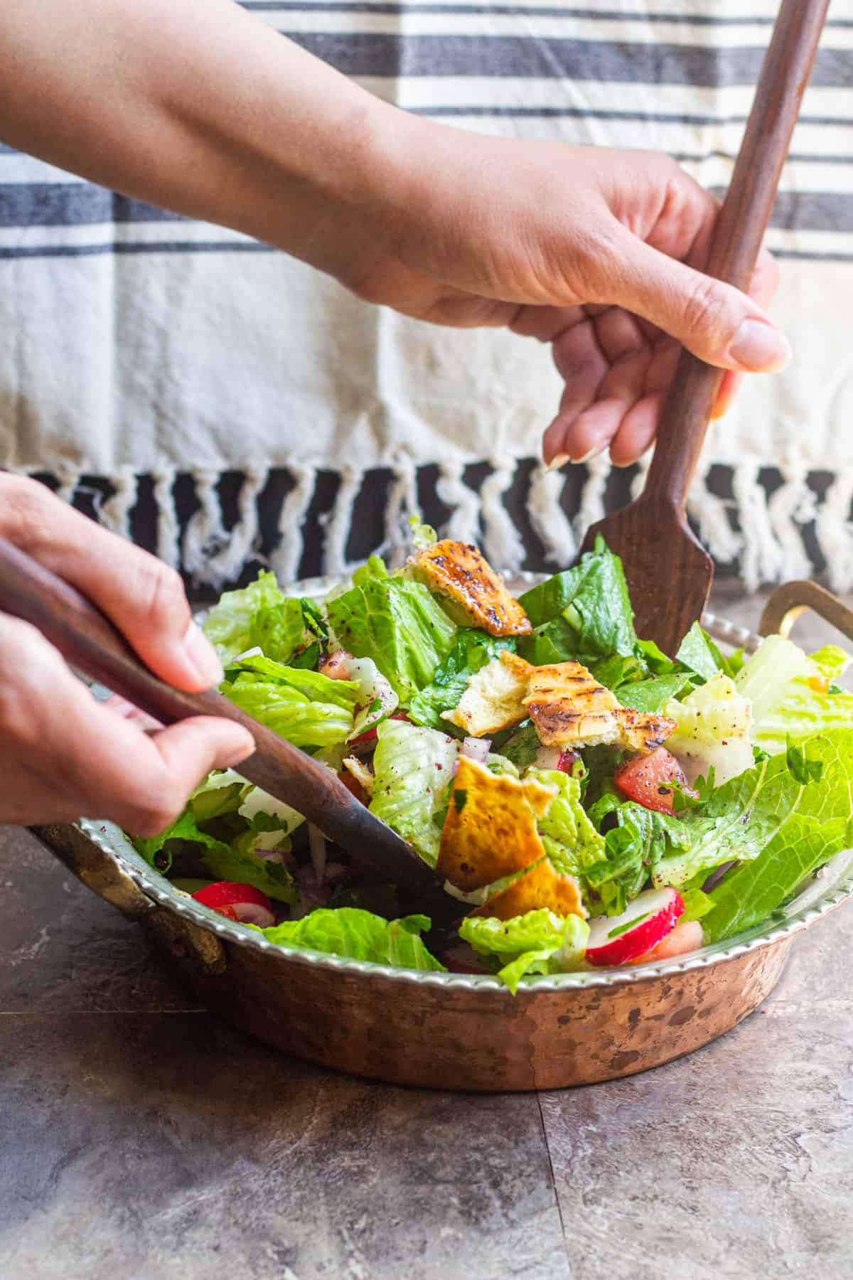fattoush salad recipe is easy and very tasty. Mix the greens with crispy toasted pita.