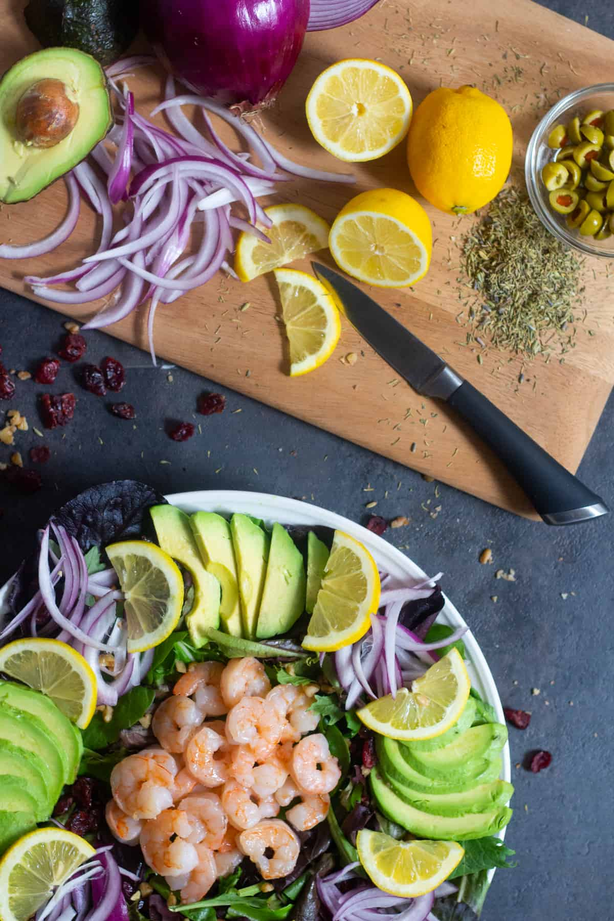 This avocado shrimp salad is best served fresh.